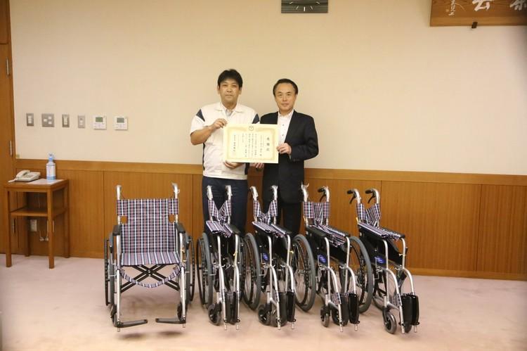 2016年9月_車椅子寄贈.jpg